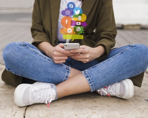 usaha rumahan manajemen media sosial